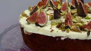 gluten-free-fig-and-pistachio-cake